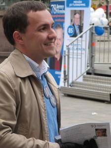 Wille Rydman kampanjoimassa